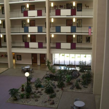 Photo of Orness Plaza atrium pre-renovation courtesy of Blumentals/Architecture, Inc.